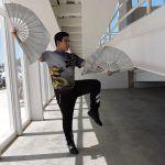 Hans Arias, deportista de Kung Fu dejó las cuchillas por abanicos