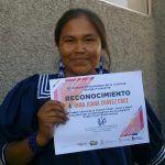 Recibió conductora rarámuri Irma Chávez premio nacional como mejor locutora
