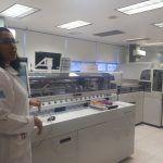 Conoce el robot APTIO en laboratorio químico, ahora realiza tus análisis en Seguro Popular