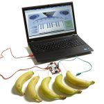 Makey Makey la tecnología que puede convertir un plátano en mouse