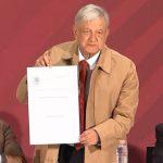 AMLO decreta reducir ISR e IVA en zona fronteriza norte